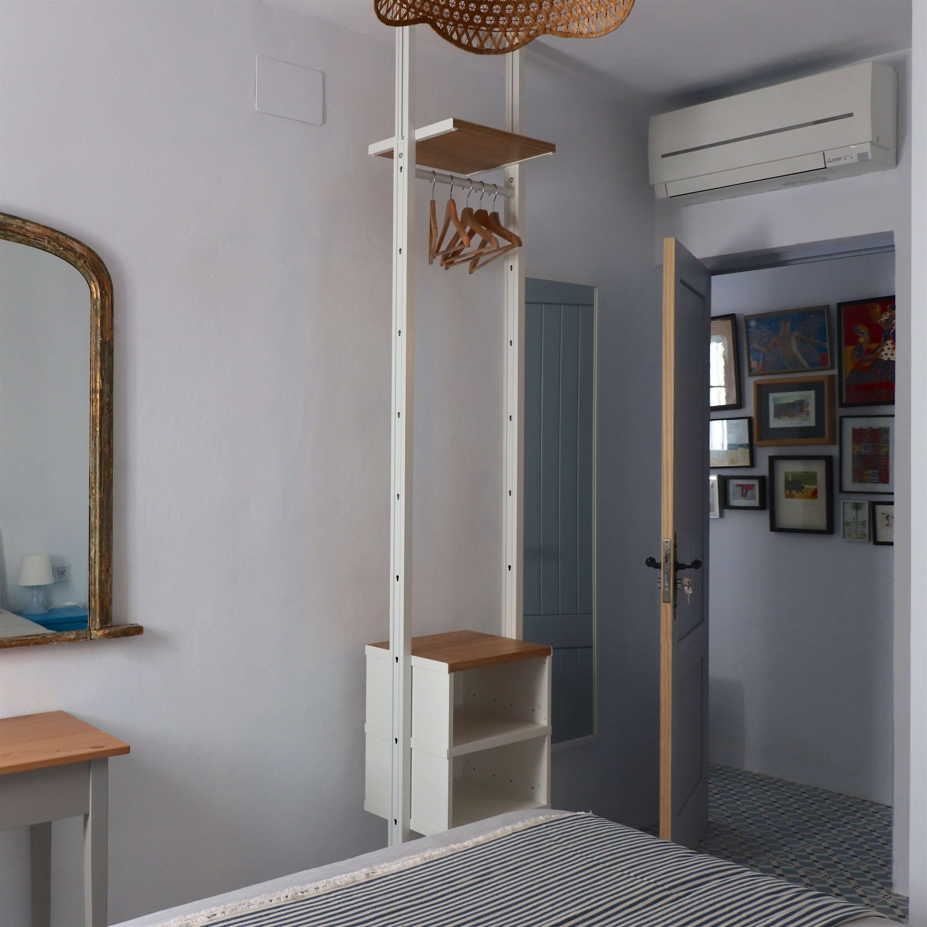 Room 4 Dressing Table and Clothes Rail